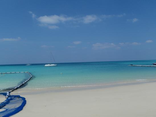 9月に行った時の前浜ビーチです。やっぱきれいだわー